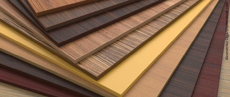 Abbildung: Verschiedene Holzwerkstoffe gefächert